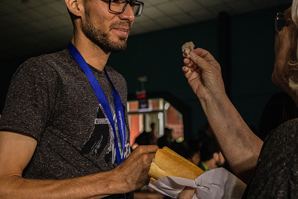 "<p>Bishop Dindy Taylor serves communion to a Resurrection participant during final worship on Oct. 13. <em>Photo by Daniel Sandi</em>. <a href=""https://www.facebook.com/rezcostarica/"">See more photos.</a></p>"